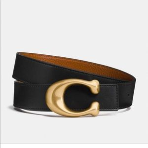 Brand new! COACH signature reversible leather belt
